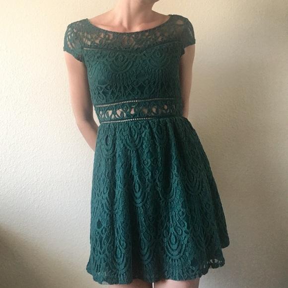 Divided Dresses   Skirts - H M Divided -Emerald Green Lace Skater Dress 19475b2194d4